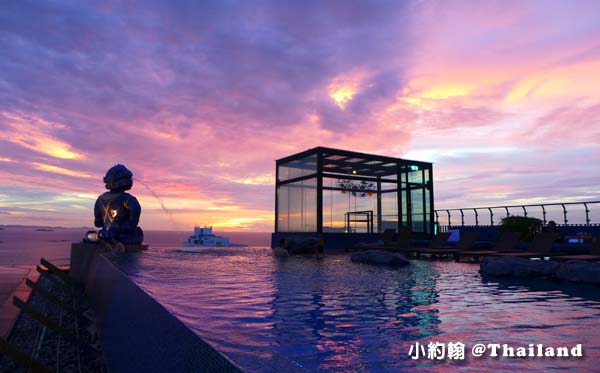 Siam@Siam Pattaya swim Pool sunset3.jpg