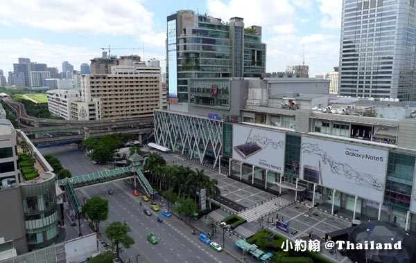 Central World bangkok plaza活動廣場.jpg