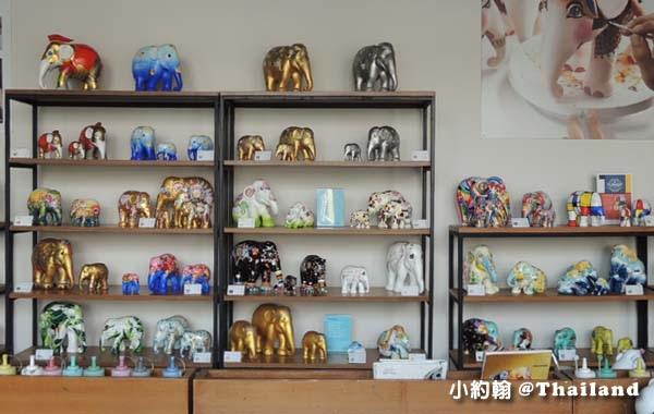 Elephant Parade shop chiang mai2.jpg