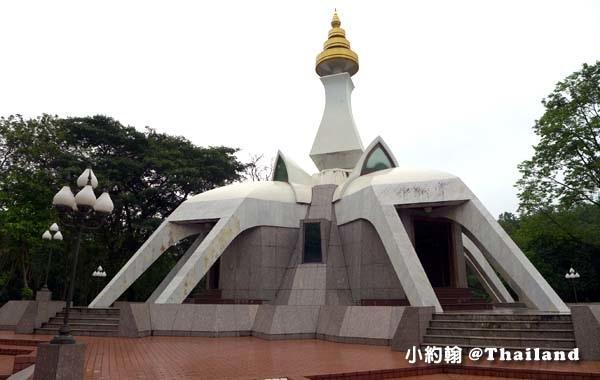 Luang Poo Khao Analyo Museum.jpg