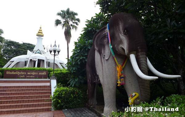 Luang Poo Khao Analyo Museum3.jpg
