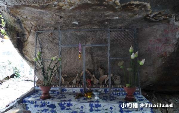 Wat Tham Klong Phen9.jpg
