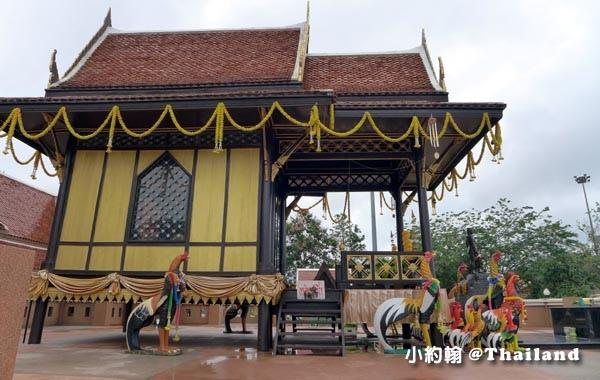 King Naresuan the Great Mounment(shrine)@Nong Bua Lamphu5.jpg
