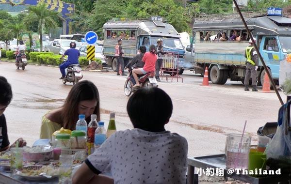 Phi Ta Khon皮塔空鬼臉節 雙條車大巴.jpg