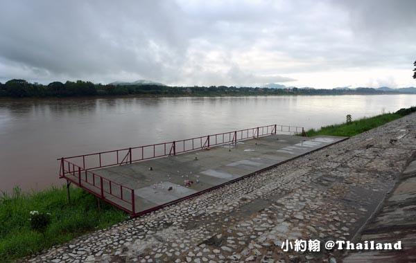Chiang Khan Mekong River Public Park1.jpg