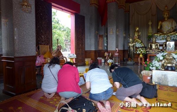 泰國廊開府Wat Pha Tak Suea Nong Khai祈福.jpg