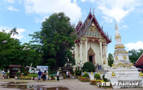 Wat Luang Por Pra Sai (Wat Po Chai) Nong Khai1.jpg