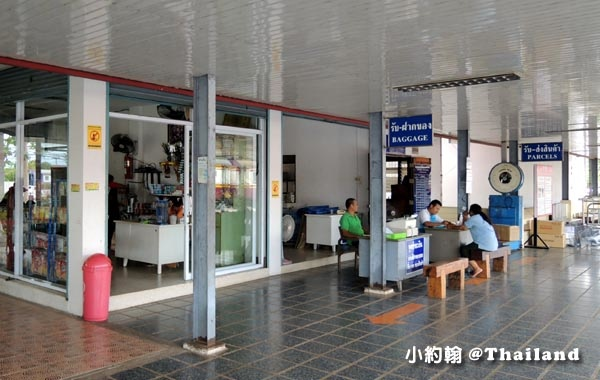 泰國廊開火車站Nong khai Train Station商店.jpg
