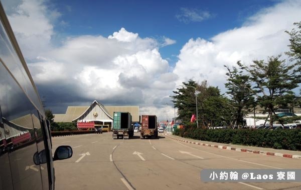 Thanaleng Border Crossing寮國入境落地簽.jpg