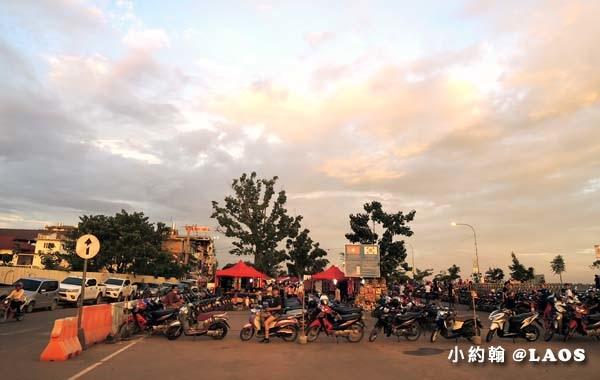 寮國永珍夜市Chao Anouvong Park3.jpg
