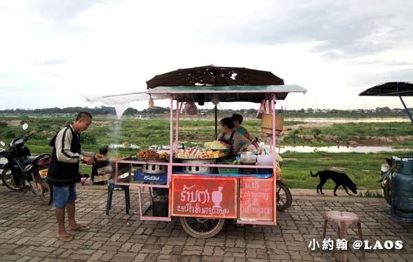 寮國永珍夜市Chao Anouvong Park6.jpg