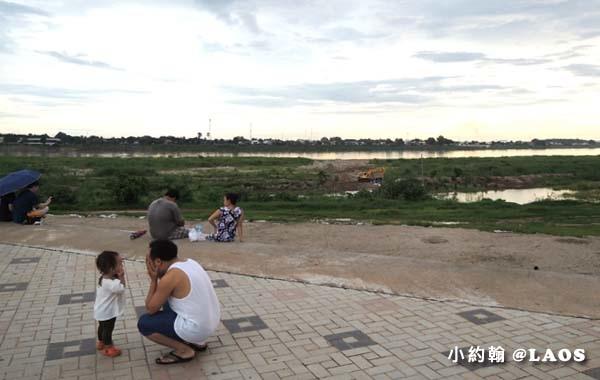 寮國永珍夜市Chao Anouvong Park9.jpg