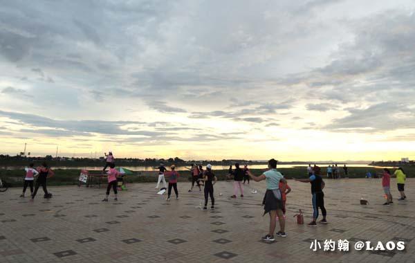 寮國永珍夜市Chao Anouvong Park10.jpg