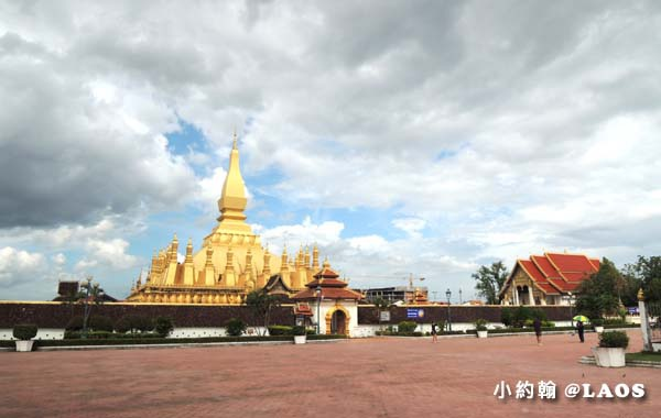 Pha That Luang Stupa Vientiane Laos塔鑾寺1.jpg