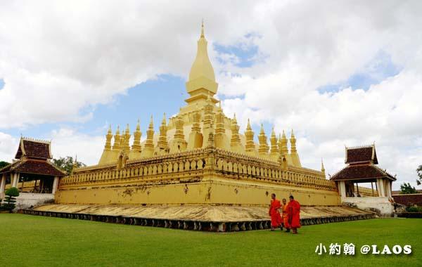 Pha That Luang Stupa Vientiane Laos塔鑾寺2.jpg