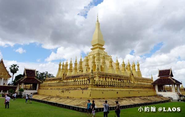 Pha That Luang Stupa Vientiane Laos塔鑾寺3.jpg