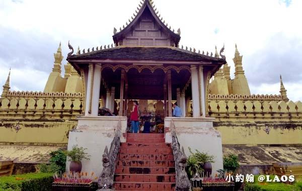 Pha That Luang Stupa Vientiane Laos塔鑾寺5.jpg