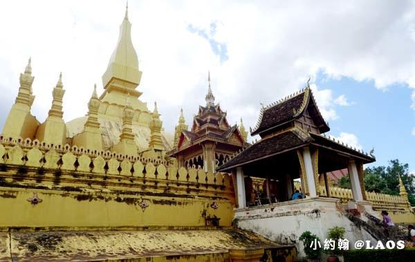 Pha That Luang Stupa Vientiane Laos塔鑾寺6.jpg