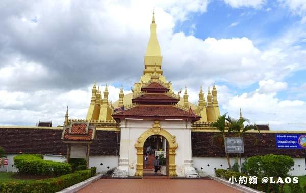 Pha That Luang Stupa Vientiane Laos塔鑾寺8.jpg
