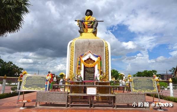 Pha That Luang Stupa Vientiane Laos塔鑾寺10.jpg