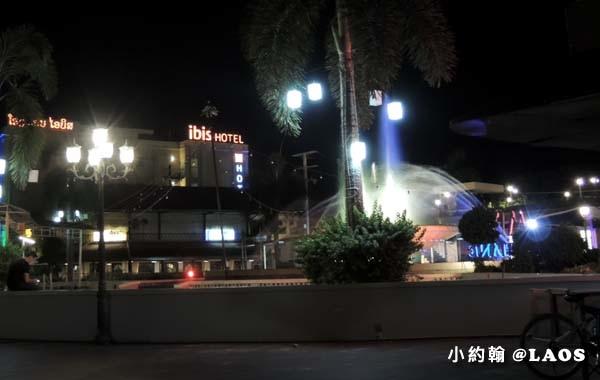 Ibis Vientiane Nam Phu Hotel.jpg