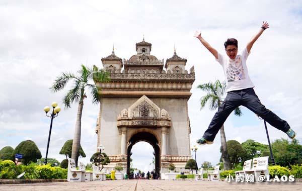 Patuxay Victory Monument Patuxai LAOS凱旋門.jpg