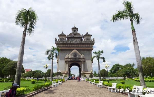 Patuxay Victory Monument Patuxai LAOS凱旋門14.jpg