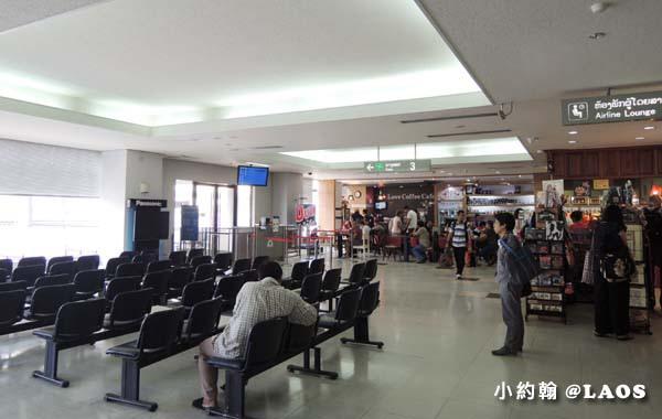 寮國機場免稅店Wattay Airport Duty free.jpg