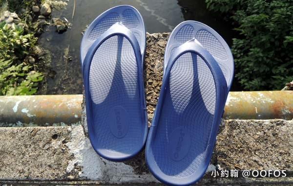 美國OOFOS肌力恢復紓壓夾腳拖鞋.jpg