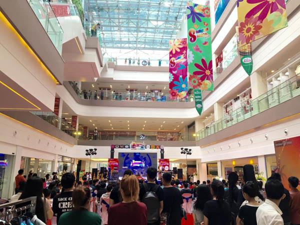 Vientiane Center shopping mall.jpg