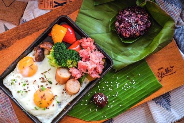 Hotel YaYee Chiang Mai food2.jpg