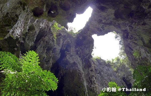 Phraya Nakhon Cave帕亞那空穴中廟2.jpg