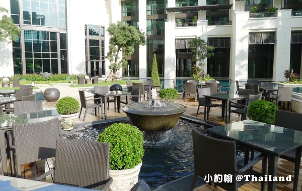 Siam Kempinski Breakfast buffet outside.jpg