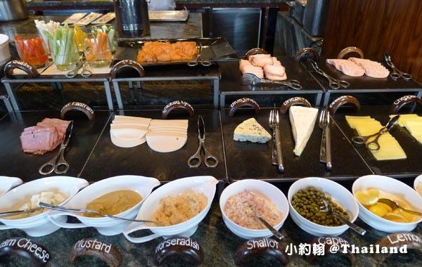 Siam Kempinski Brasserie Europa早餐沙拉冷盤.jpg