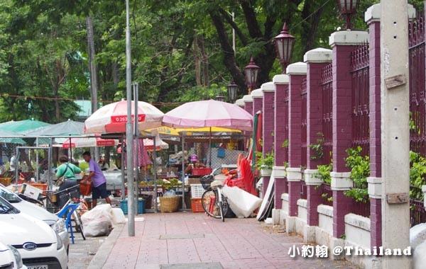 Bangkok Lumphini Park breakfast street.jpg