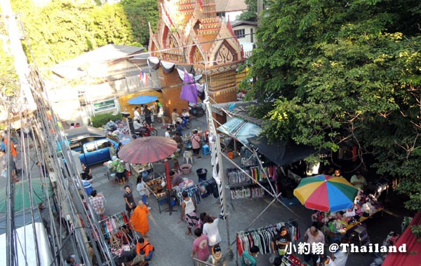 Wat Tai On nut bangkok market.jpg