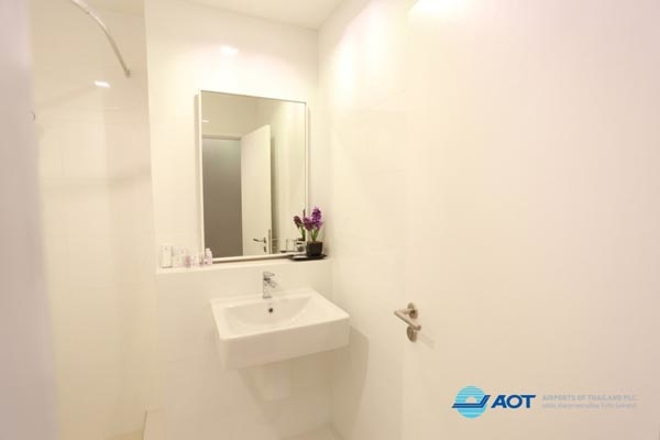 Sleep Box Hotel Don Muang ROOM3.jpg