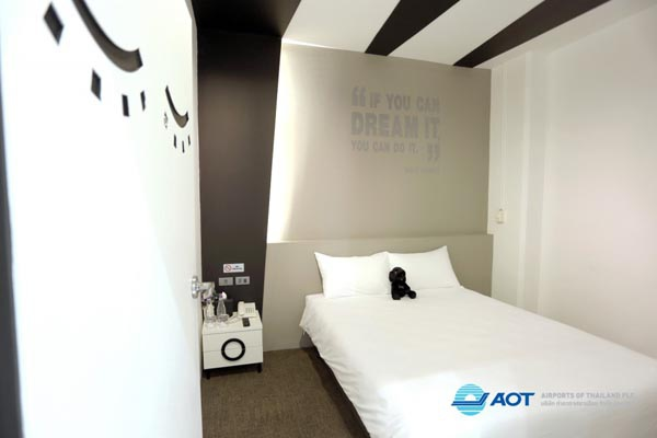 Sleep Box Hotel Don Muang ROOM2.jpg