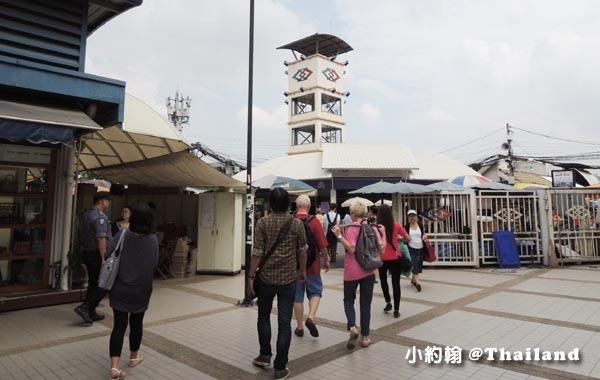 恰圖恰市集-Kamphaeng Phet 甘帕安碧站2號出口.jpg