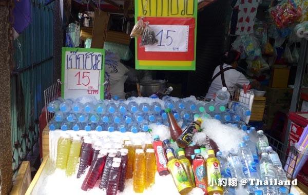 恰圖恰市集Chatuchak market補充水份.jpg