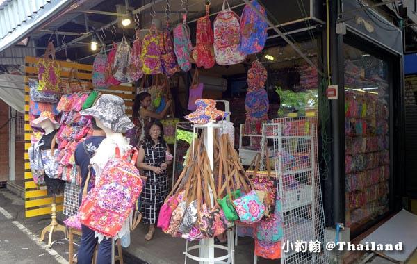 恰圖恰市集Chatuchak market-花花背包.jpg