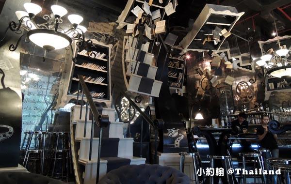 The Bookshop Bar曼谷魔法書咖啡廳2.jpg