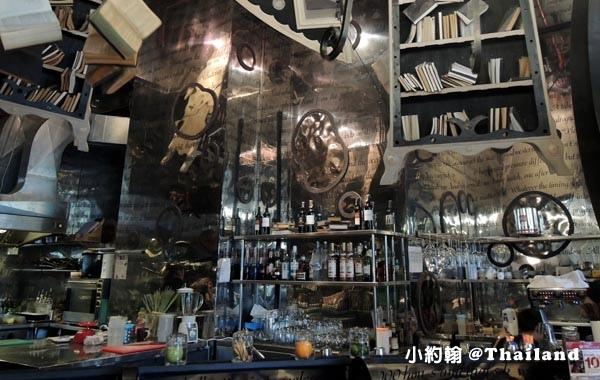 The Bookshop Bar曼谷魔法書咖啡廳3.jpg