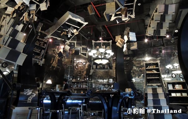 The Bookshop Bar曼谷魔法書咖啡廳4.jpg