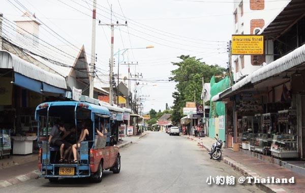 泰國北碧府River Kwai桂河大橋雙條車.jpg