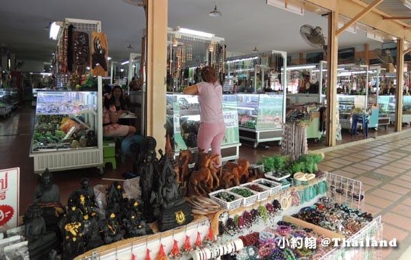 泰國北碧府River Kwai桂河大橋紀念品廣場2.jpg