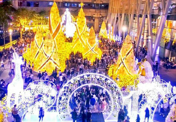 Bangkok merry christmas Central World3.jpg