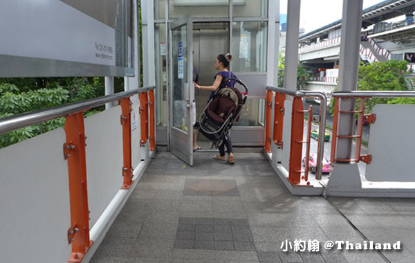 BTS捷運Mo Chit蒙奇站電梯