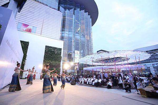 Siam Paragon2016-2017new year eve3.jpg
