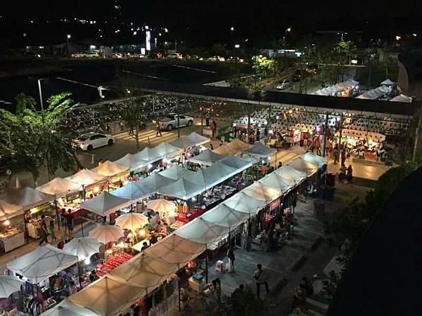 CentralPlaza Rayong2016DEC market.jpg